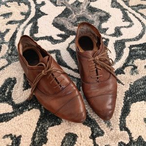 Frye Pointed Toe Leather Loafer